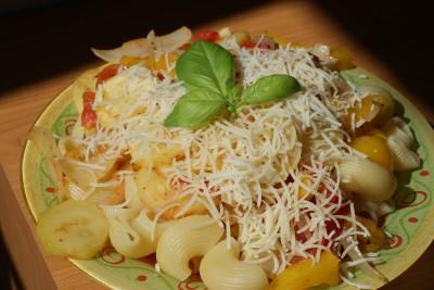 Poêlée de légumes et pâtes.