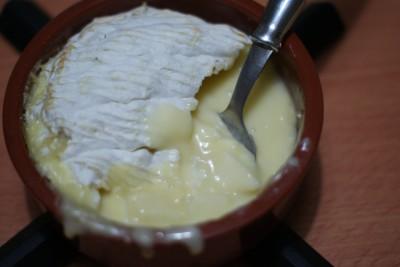 Huuuum, ce fromage fondu et ces morceaux de pommes croquants et juteux !