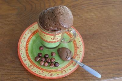 Bon appétit ! ... Et oui, un mug cake peut prendre bien des formes bizarres !